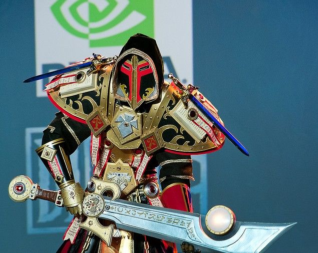 WoW Paladin Judgement set cosplay. The best-looking Paladin armor ever.   Cosplay ideen