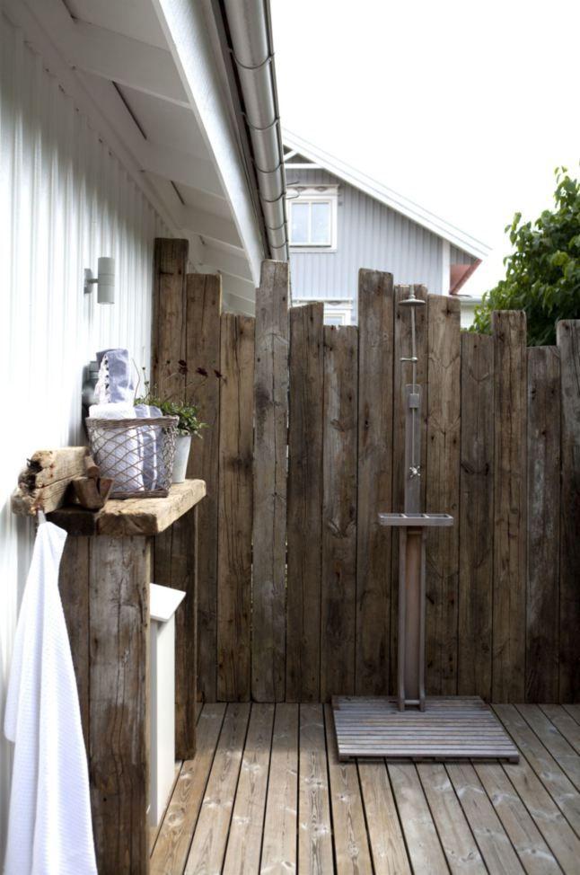 les 25 meilleures id es concernant douche exterieure sur pinterest douche de piscine douche. Black Bedroom Furniture Sets. Home Design Ideas