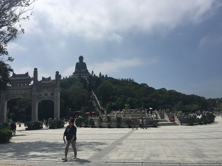 Hi everyone, if you follow my blog you know I swapped my flight fromMadridto Hong Kong and I coudn't do better. I love Hong Kong. It's definitelly coming on my list of my favorite cit…