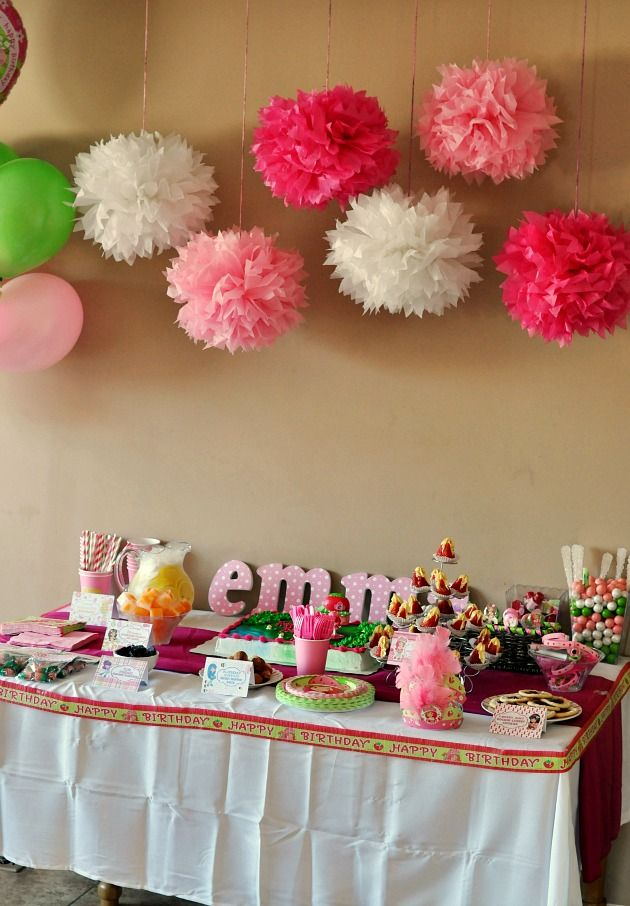 Birthday Cake Table Decoration At Home : 17 Best ideas about Strawberry Shortcake Centerpieces on ...