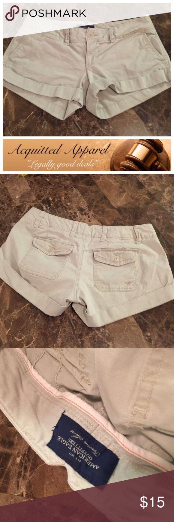 (AE) American Eagle Kahki Classic Shorts Excellent condition. Size 2. . Location 8 American Eagle Kahki Shorts American Eagle Outfitters Shorts