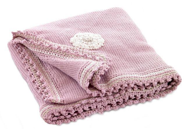 Pebble deken roze met gehaakte bloemen - Ikbenzomooi.nl