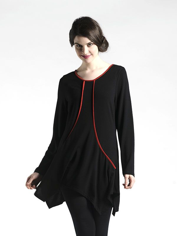 Contrast Seaming Detail Tunic in Black - With clever seaming detail that is accented by a contrast colour, this tunic is soft, flowing, and super flattering on all body types!  Available in Black and Slate.