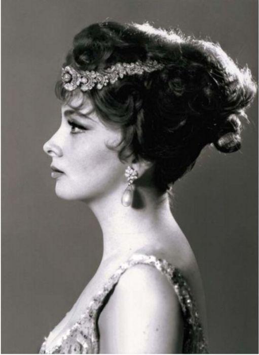 Gina Lollobrigida\'s jewellery auctions for $5m