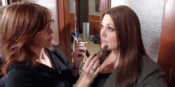 Brooke Elliott Getting Her Makeup Done for #DropDeadDiva #diva