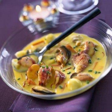 Cassolette de homard palourdes et moules au safran