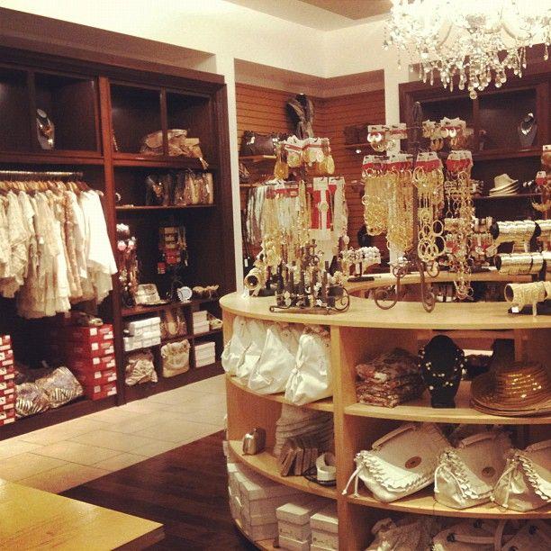 Cool Closet! Aaaannnd Thatu0027s A Store.