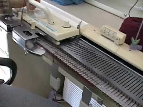 Knitting Machine Sample... and I have one of these...hmmmm, oh Sunday.