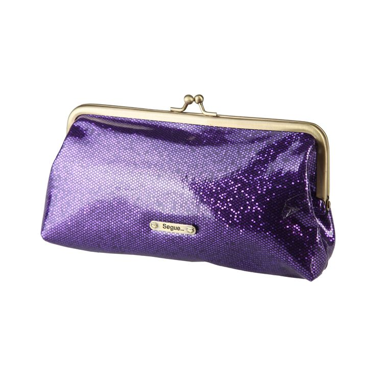 Clutch-composition: 100% PVC- size: 17*10*6 cm- metallic fastening