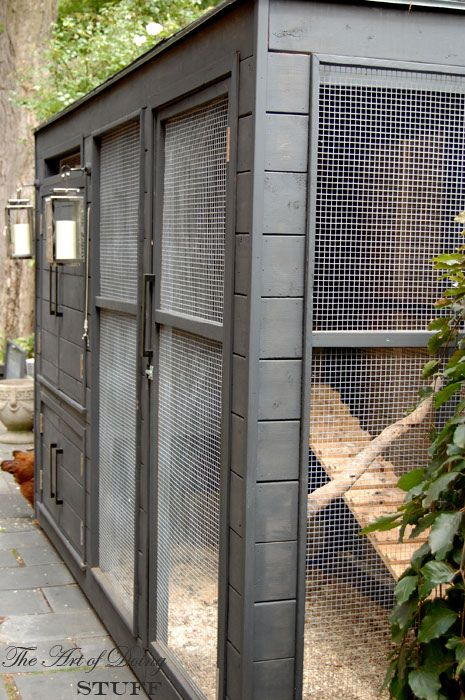 seriously - amazing! @Elizabeth Holloway best chicken coop house tour - more pictures.