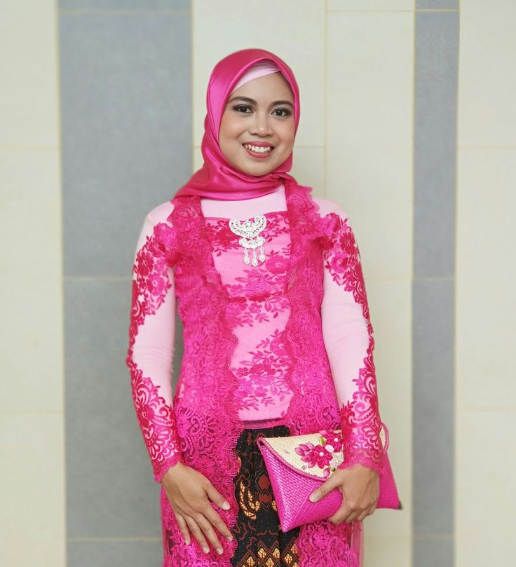 Kebaya Fuchsia / pink fanta, javanese attire for Bela's Weddinh