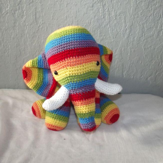 Bonjour, Aujourd'hui, je voulais vous parler des doudous éléphants que j'ai fait au crochet, Le premier, l'éléphant arc en ciel: Et le second l'éléphant rayé beige et blanc:…                                                                                                                                                                                 Plus