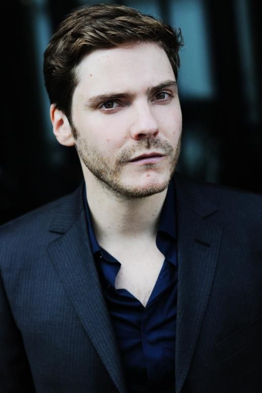 Daniel Bruhl ... black and blue