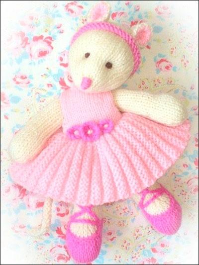 Margot Mouse - knitted ballerina