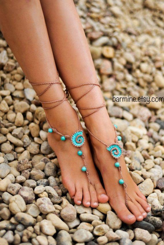 Playa conchas bronceado y Aqua Crochet novia de la boda descalzos sandalias, zapatos Nude, joyería nupcial, Gema turquesa pulsera para el tobillo