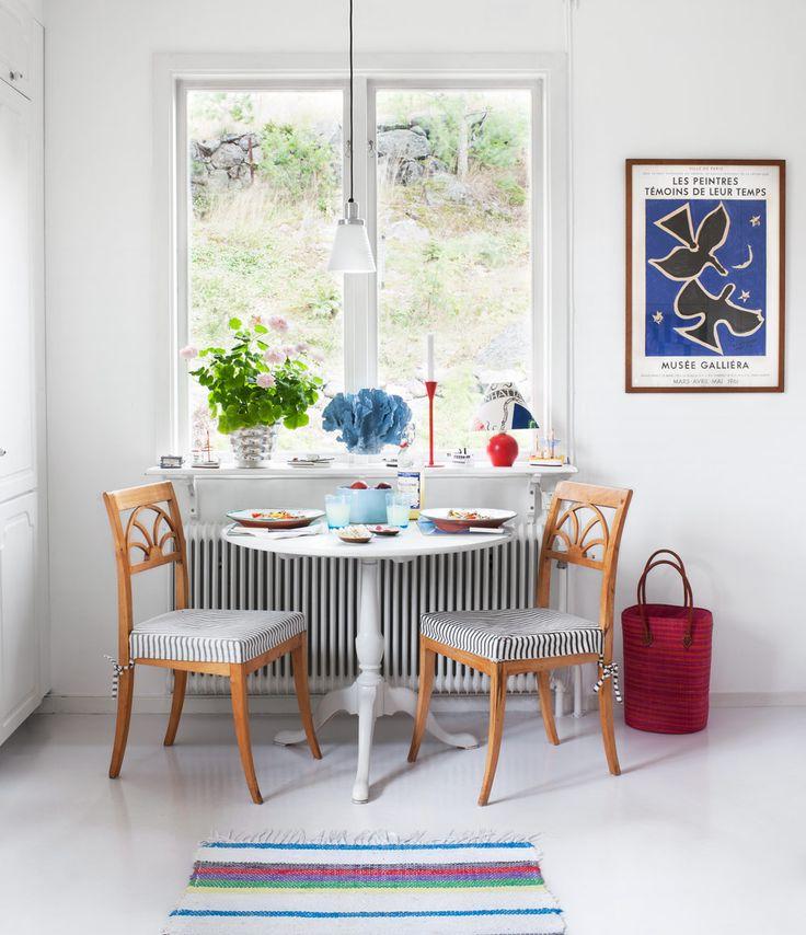 Breakfast table - Summer house in Dalarö, Sweden - Via Sköna Hem