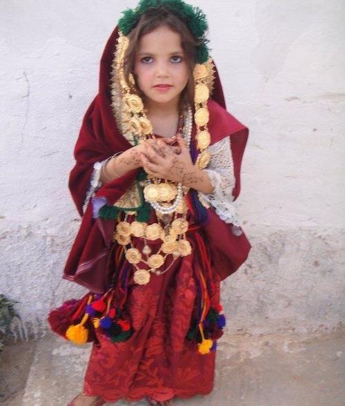 Africa | Berber girl. Tunisia. No photographer details ...