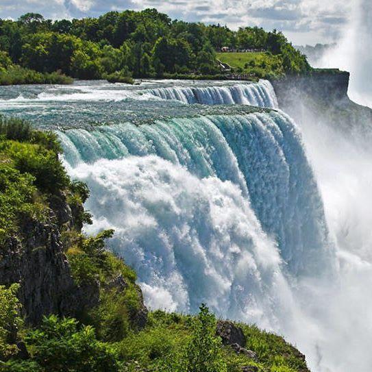Una delle meraviglie da non perdere: le cascate del Niagara! #giftsitter è la #lista viaggio perfetta per ogni occasione. Scopri di più cliccando sul link in bio!  #giftsittermania #lista #regalo #world #travel #traveler #tourism #turisti #valigia #nature #cascata #waterfall #picoftheday #photography #instant #niagarafalls #inspiration #viaggiare