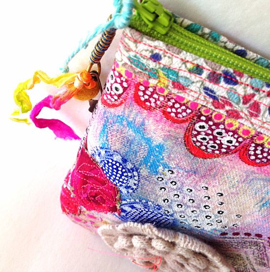 DIY doodled, painted fabric pouch made with canvas #bags  #tutorial
