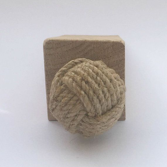 1000 ideas about nautical knots on pinterest knotted bracelet paracord belt and knots - Knot door stopper ...