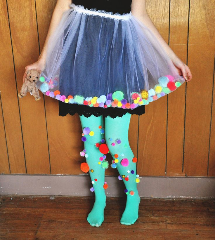 Pom Pom Tutu  •  Free tutorial with pictures on how to make a tutu in under 40 minutes