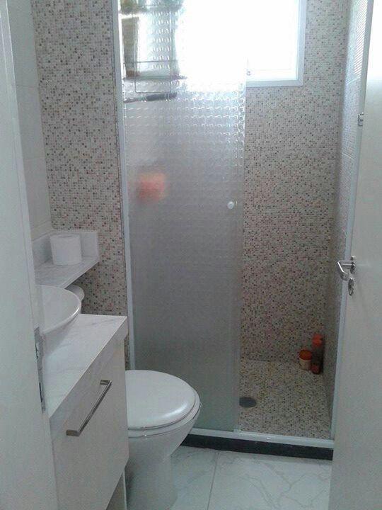 Banheiro com azulejos imitando pastilhas  Oh lá em casa!  Pinterest -> Banheiros Com Pastilhas E Azulejos