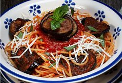 Linda McCartney- Spaghetti with Sun-dried Tomatoes, Aubergine and Chilli