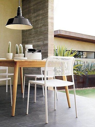 Outdoor/indoor dining