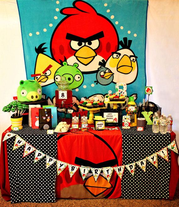 Angry birds party printables and table ideas angry for Angry bird birthday decoration ideas