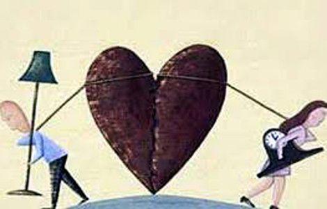 Μέχρι πρότινος ξέραμε ότι ο αμαρτωλός Αύγουστος ήταν μία από τις βασικές αιτίες των διαζυγίων. Αυτά ,όμως μέχρι το 2008, οπότε και σημειώνεται μια στροφή … η κρίση, η έξω και η μέσα. Το 2008 τα διαζύγια ήταν περίπου 13.000, ενώ δέκα χρόνια πριν ήταν τα μισά.  Read more: http://rizopoulospost.com/h-eforia-xwrizei-ta-zevgaria/#ixzz2cPdXkU2T  Follow us: @Rizopoulos Post on Twitter   RizopoulosPost on Facebook #Greece #community #economy