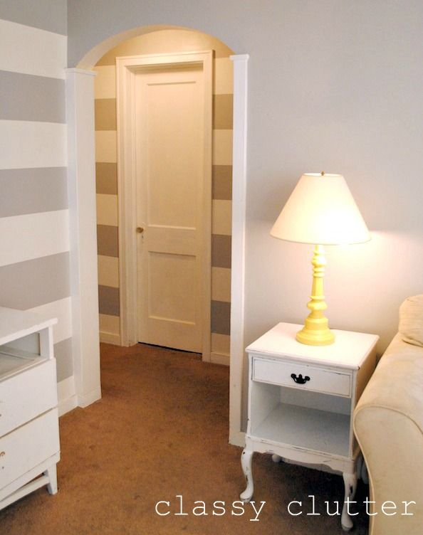 How to paint a striped hallway! Easy as pie!: Stripe Wars, Easy A, How To Paint, Painting Stripes, Striped Walls, Striped Hallway, Greywhitestripes Hallway, Classy Clutter, Accent Wall