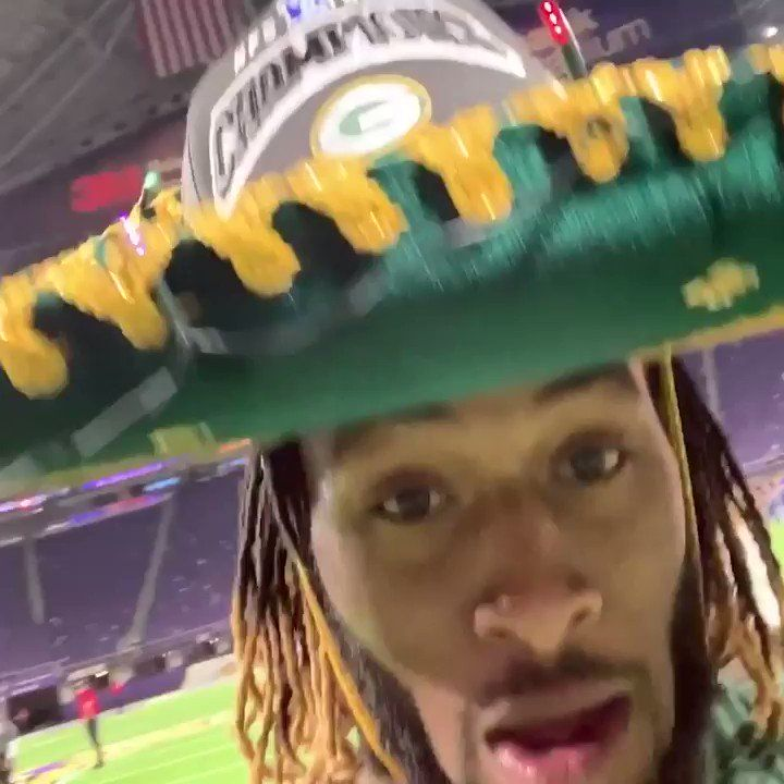 Nfl On Espn On Twitter Aaron Jones Rockin The Sombrero After The Packers Nfc North Clinching Win Nfc North Espn Nfl