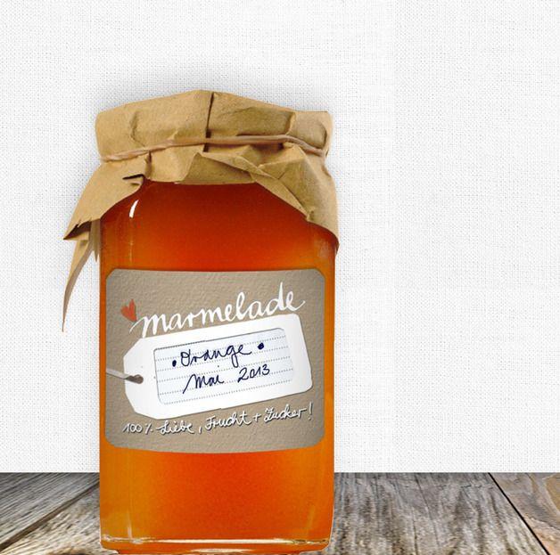"""""""100% Liebe, Frucht & Zucker!""""   Diese Marmeladenaufkleber auf mattem Stickerpapier mit abgerundeten Ecken möchten gerne eure selbstgemachte Marmelade verzieren und! -was noch viel wichtiger ist:..."""