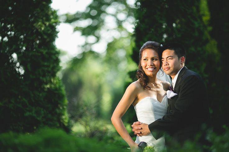 Liuna Gardens Wedding | Toronto documentary wedding photographer photographs a portrait of the bride and groom at Liuna Gardens
