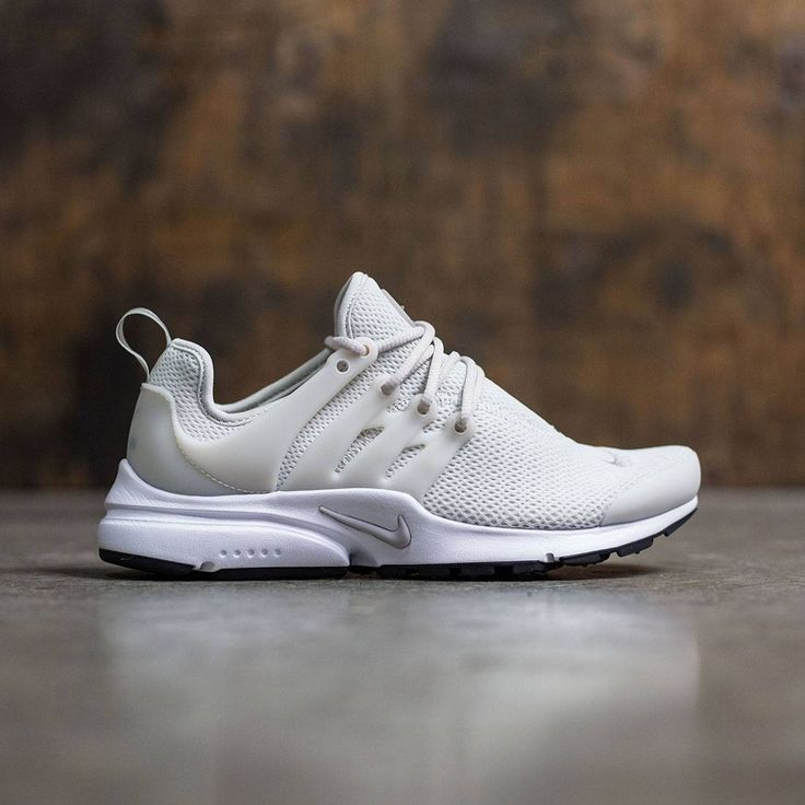 Women's Nike Air Presto ShoeHead out in lightweight breathability in the  Women's Nike Air Presto Shoe. Its stretchy mesh upper delivers a sock-like  fit, ...