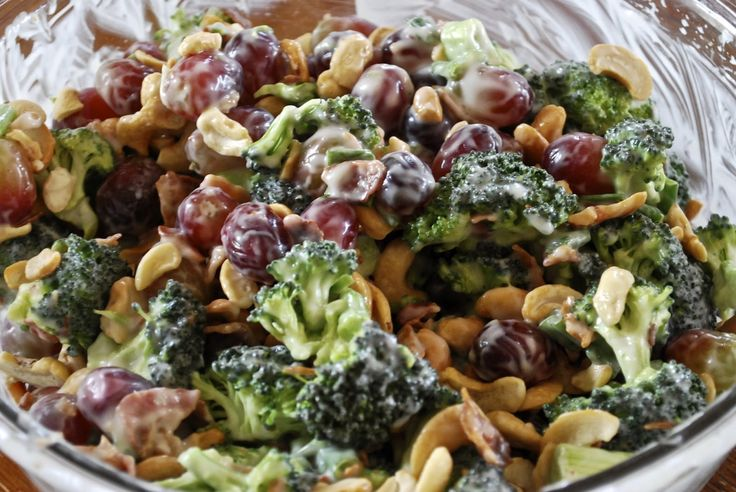 """""""Point-less"""" Meals: Broccoli Grape Salad  good website for other recipes"""
