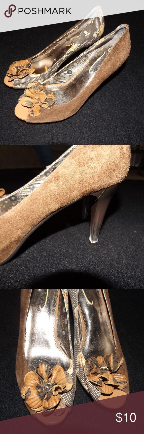 Women's Size 7 Peep Toe Brown Pumps Women's Size 7 Peep Toe Brown Pumps Poetic License Shoes Heels