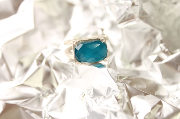 AF6 anillo facetado turquesa oval #heidipeiranojewlery #coleccioncristals