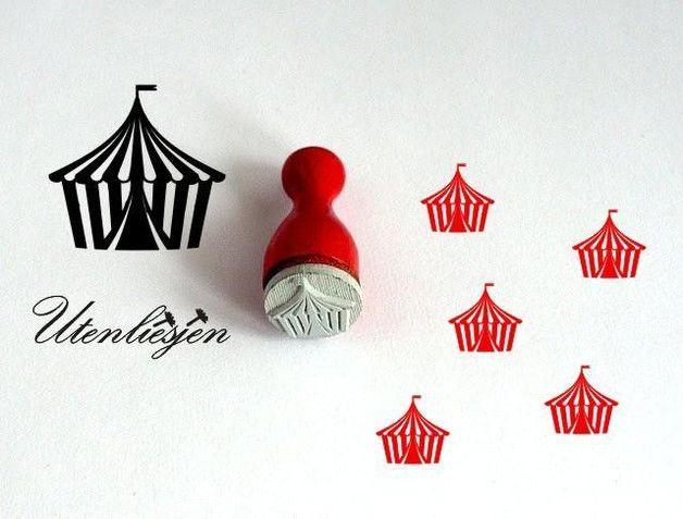 **Ministempel mit Zirkuszelt**  Feiner Ministempel mit Zirkuszelt, nicht nur für Filofaxing geeignet, sondern auch wunderschön um Karten, Geschenkanhänger, Einladungs- und Tischkarten...