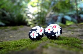 https://www.etsy.com/au/listing/168203004/earrings-snow-white-fabric-covered?ref=shop_home_active_11