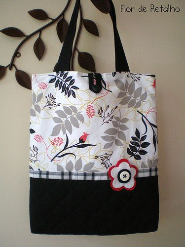 Tote bag   Love the style of this bag. Really pretty colors