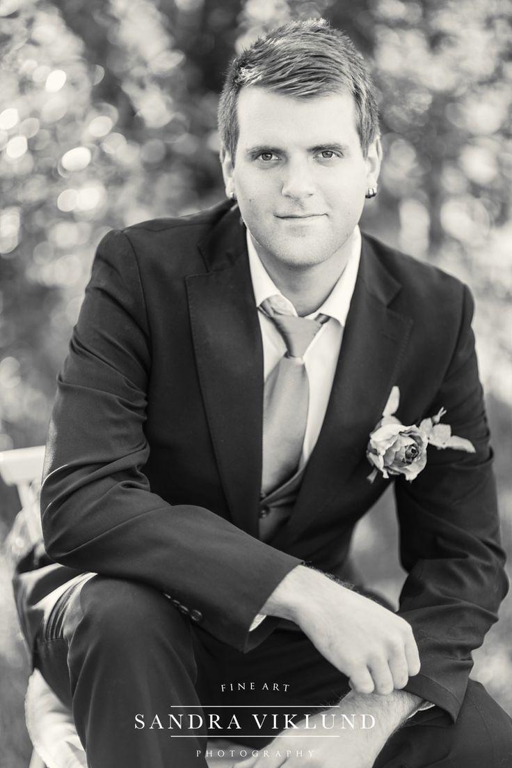 Bridegroom / groom / styled wedding shoot