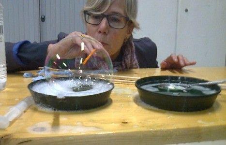 Handleiding Zeepbellen onderzoek! Koppelen aan Floddertje? Schuim?