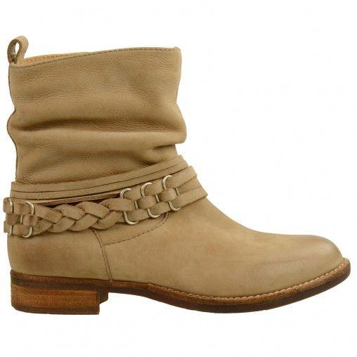 SACHA // Short beige boots €109,95 #sachashoes #braid