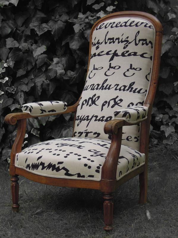 Fauteuil Voltaire Tissu Pierre FREY Patine des bois finition cirée