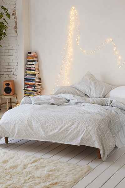 Housse de couette Agra à rayures Plum & Bow - Urban Outfitters