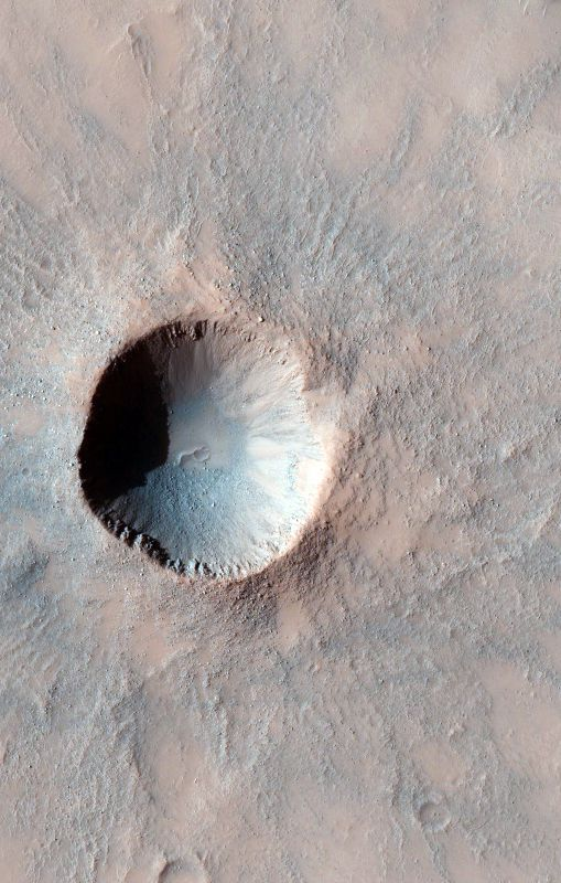 BEAUTIFUL MARS Images and posts from HiRISE, the high resolution camera onboard the Mars Reconnaissance Orbiter. uahirise.org Fresh Small Rayed Crater: Fresh is a relative term, because this impact could have occurred millennia ago, but what helps determine a young from an older crater is looking at the rim:  find out more info here ....