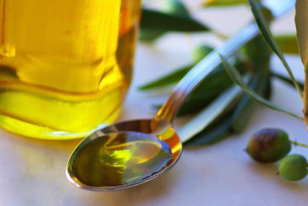 Κάνε πλύσεις στο στόμα σου με 1 κουταλάκι της σούπας λάδι και δες τι εκπληκτικό θα σου συμβεί.. - Healing Effect
