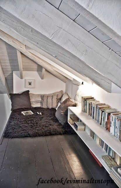 Çatı katı kitap okuma zamanı ve köşesi