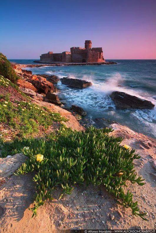 Le Castella Isola Capo Rizzuto Cool places to visit